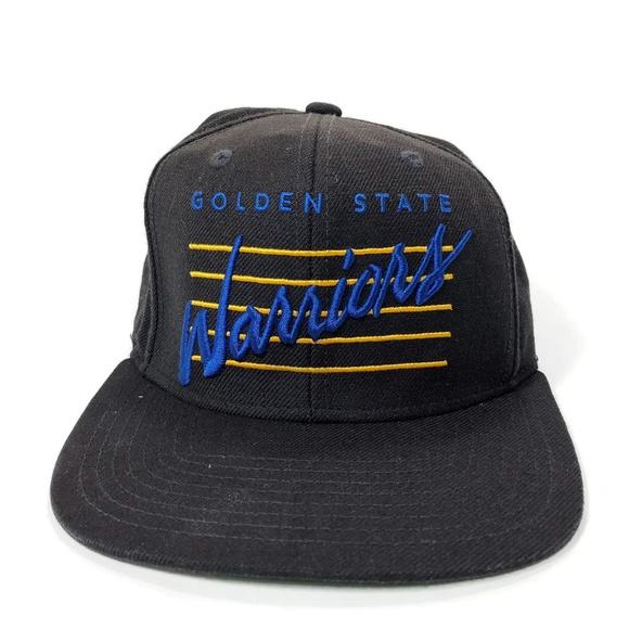 new styles 77fcf 8e578 Mitchell   Ness GOLDEN STATE WARRIORS Script Hat. M 5b86a8f9c2e9fe95d5a4dd95